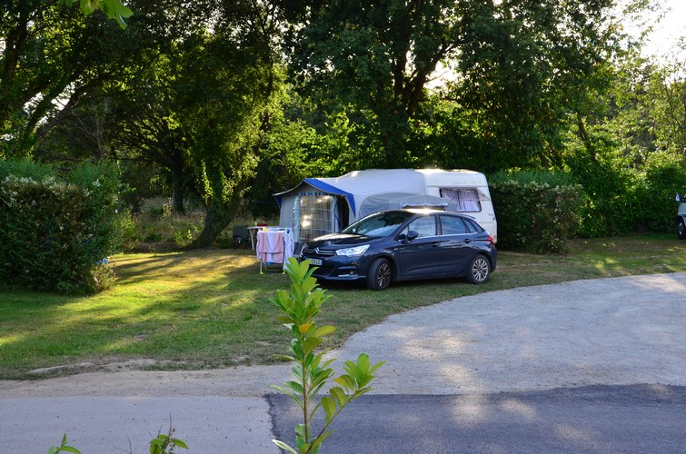 emplacement camping domaine inly