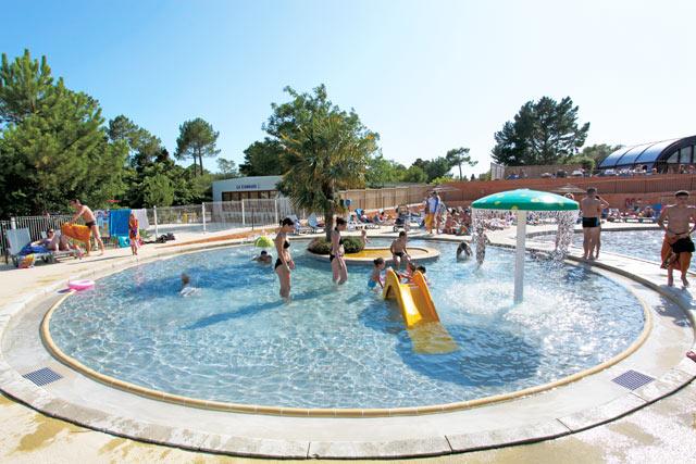 Photos du camping le palace soulac en gironde for Camping blonville sur mer avec piscine