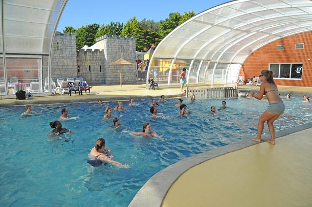 Les parcs aquatiques et les piscines dans les campings for Piscine guerande